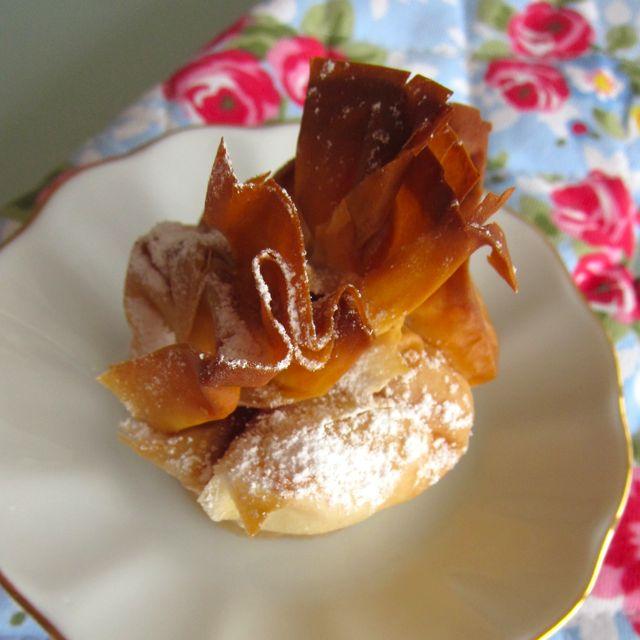 Himbeer-Topfen-Päckchen mit weisser Schokolade